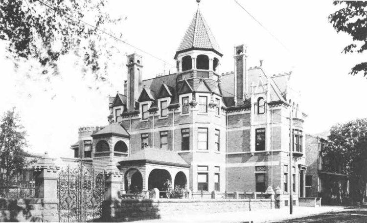 George Lauer Third and Chestnut Mansion