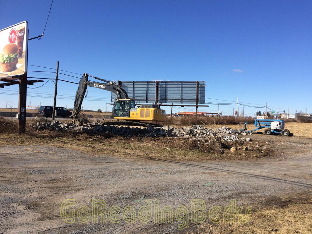 Whander Field hangar demolition