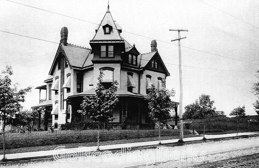 Ferdinand Winter Residence, 900 Centre Avenue